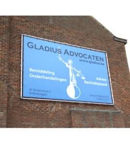 Gladius Advocaten Waregem spandoek · Xtrema Reclamebureau - Webdesign Harelbeke - Websites Kortrijk - Xtrema Webdesign - West-Vlaanderen